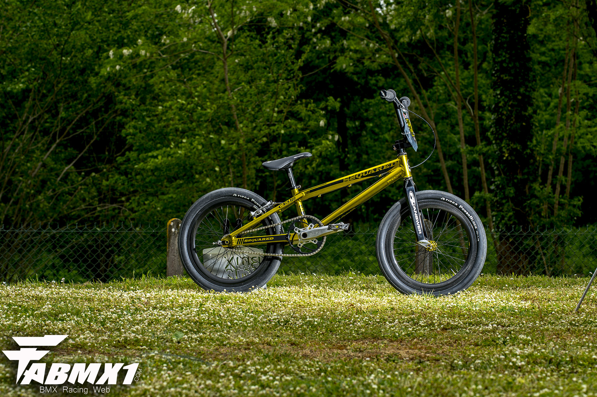 Fabmx1 Ssquared Gold Machine By Yohan Dodeler